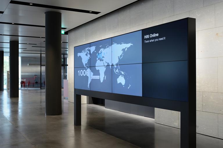 Digital Signage Werbedisplay bei der Hilti AG in Schaan